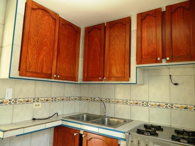 Apartamento Distrito Metropolitano>Caracas>Parroquia La Candelaria - Venta:15.000 Precio Referencial - codigo: 18-11230