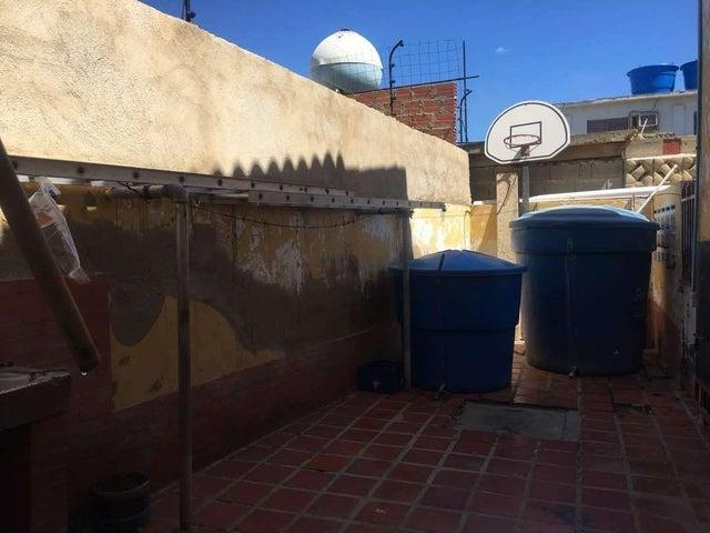 Casa Falcon>Punto Fijo>Caja de Agua - Venta:6.900.000 Precio Referencial - codigo: 18-11329