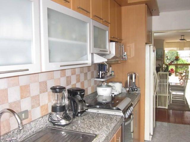 Apartamento Distrito Metropolitano>Caracas>El Marques - Venta:45.000 Precio Referencial - codigo: 18-11390
