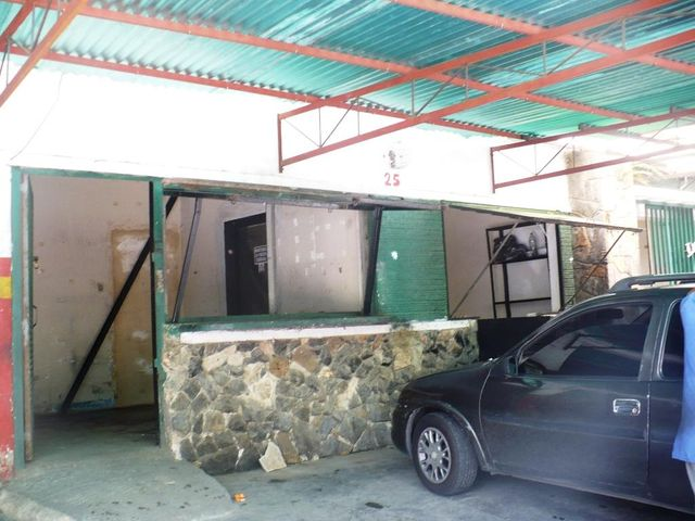 Local Comercial Distrito Metropolitano>Caracas>Charallavito - Alquiler:40.000 Precio Referencial - codigo: 18-11578