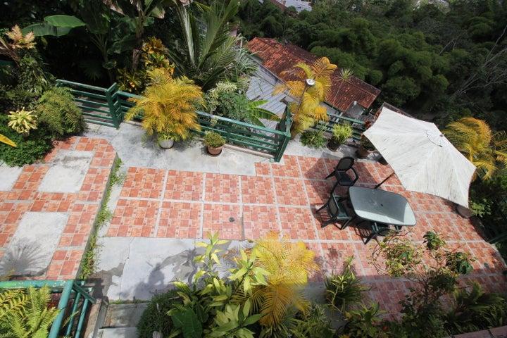 Casa Distrito Metropolitano>Caracas>Oripoto - Venta:180.000 Precio Referencial - codigo: 18-11953