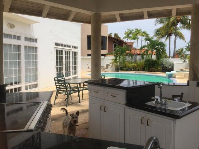 Casa Anzoategui>Lecheria>Las Villas - Venta:305.064.000 Precio Referencial - codigo: 18-11558