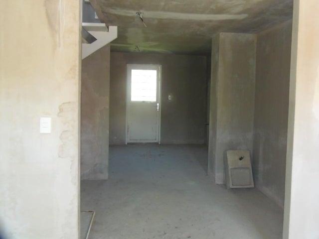 Casa Lara>Barquisimeto>La Ensenada - Venta:4.815.959.000 Precio Referencial - codigo: 18-11566