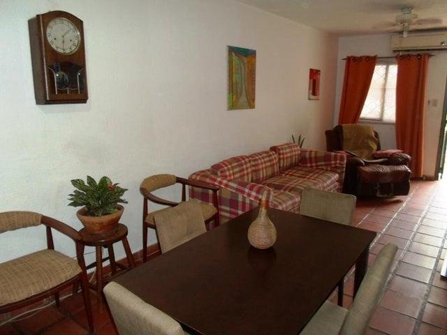 Townhouse Nueva Esparta>Margarita>Maneiro - Venta:2.141.000 Precio Referencial - codigo: 18-11571