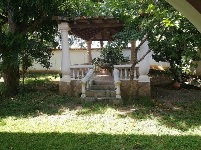 Casa Lara>Barquisimeto>Parroquia Santa Rosa - Venta:56.032.000 Precio Referencial - codigo: 18-11590