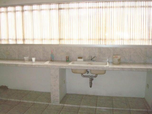 Local Comercial Distrito Metropolitano>Caracas>Guaicay - Alquiler:89.000 Precio Referencial - codigo: 18-11583