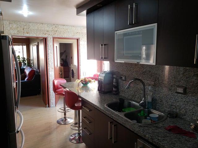 Apartamento Distrito Metropolitano>Caracas>La Florida - Venta:13.031.000 Precio Referencial - codigo: 18-11555