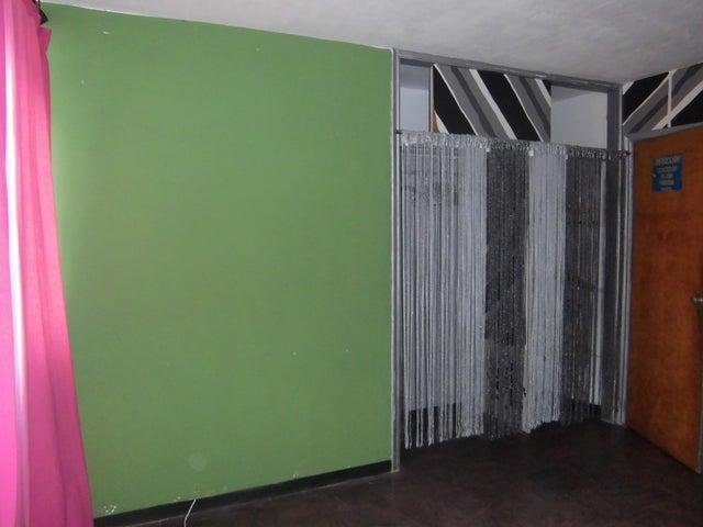 Apartamento Distrito Metropolitano>Caracas>Los Palos Grandes - Venta:202.352.000 Precio Referencial - codigo: 18-11588