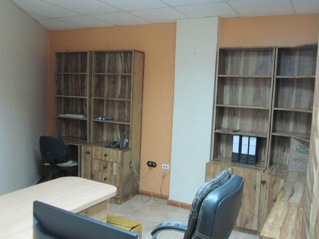 Oficina Vargas>Parroquia Maiquetia>Pariata - Venta:20.000 Precio Referencial - codigo: 18-12266