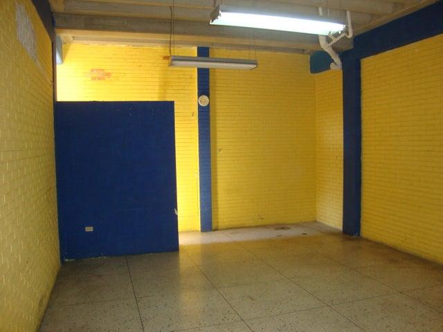 Local Comercial Lara>Barquisimeto>Centro - Venta:35.938.000 Precio Referencial - codigo: 18-11656
