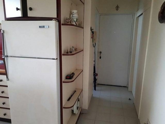 Apartamento Miranda>Higuerote>Carenero - Venta:30.000 US Dollar - codigo: 18-11742