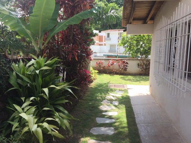 Casa Distrito Metropolitano>Caracas>San Luis - Venta:250.000 Precio Referencial - codigo: 18-12743