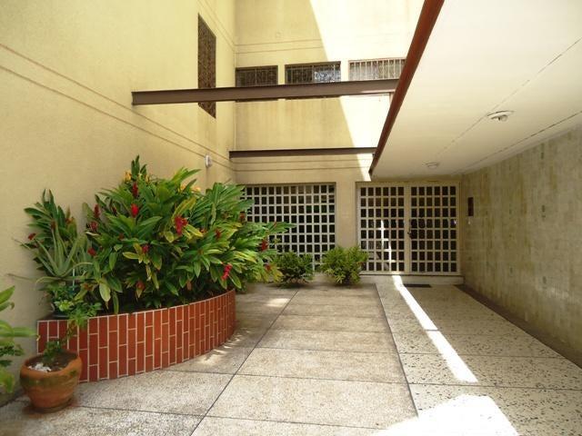 Apartamento Distrito Metropolitano>Caracas>Montalban I - Venta:159.396.000 US Dollar - codigo: 18-11816