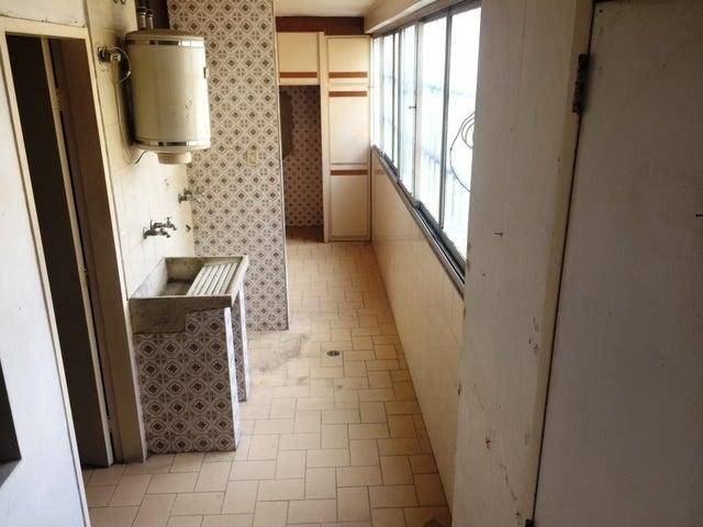 Apartamento Miranda>Los Teques>Los Teques - Venta:18.000 Precio Referencial - codigo: 18-12075