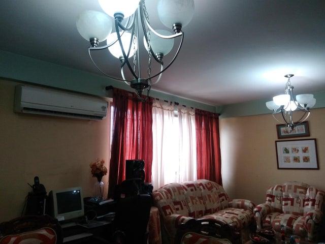 Apartamento Carabobo>Valencia>Los Caobos - Venta:807.000 Precio Referencial - codigo: 18-13059