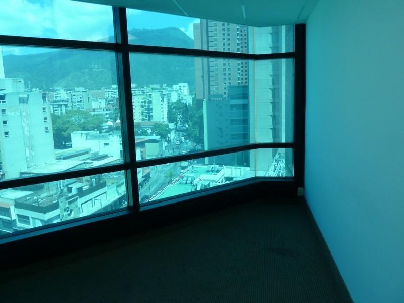 Oficina Distrito Metropolitano>Caracas>Sabana Grande - Alquiler:690 Precio Referencial - codigo: 20-642