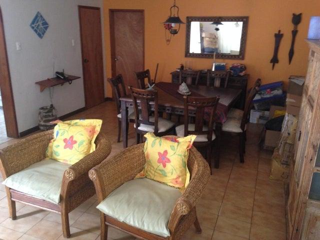 Casa Distrito Metropolitano>Caracas>La California Norte - Venta:200.000 Precio Referencial - codigo: 18-12424