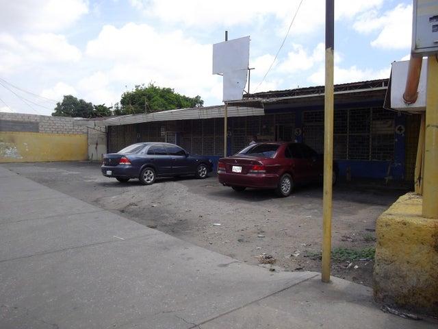 Local Comercial Zulia>Maracaibo>Barrio Los Olivos - Alquiler:27.000 Precio Referencial - codigo: 18-13083