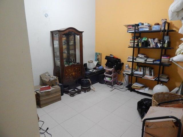 Townhouse Distrito Metropolitano>Caracas>El Hatillo - Venta:210.000 Precio Referencial - codigo: 18-12705