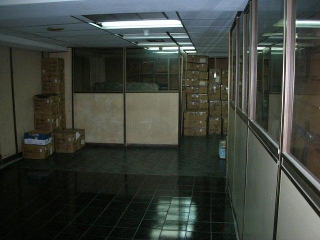 Local Comercial Distrito Metropolitano>Caracas>Sabana Grande - Venta:1.500.000 Precio Referencial - codigo: 18-12719