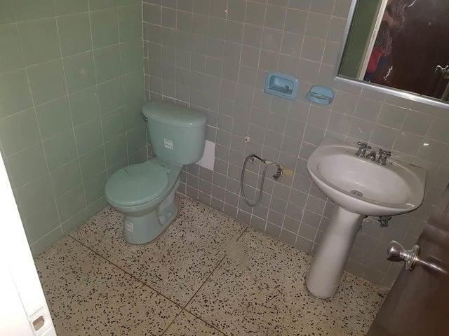Apartamento Distrito Metropolitano>Caracas>Altamira - Venta:98.000 US Dollar - codigo: 18-12741