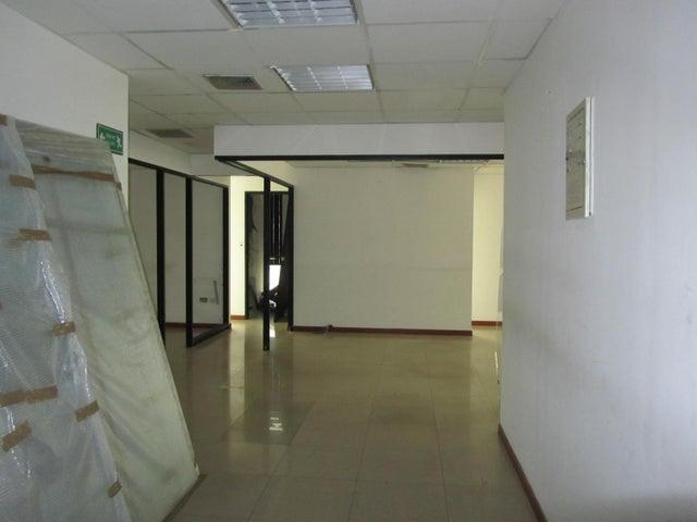 Oficina Distrito Metropolitano>Caracas>Plaza Venezuela - Venta:180.000 Precio Referencial - codigo: 18-12745