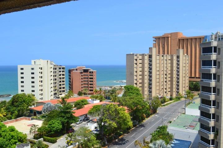 Apartamento Vargas>Catia La Mar>Playa Grande - Venta:3.459.000 Precio Referencial - codigo: 18-13044