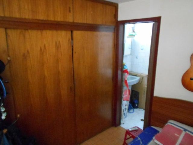 Apartamento Distrito Metropolitano>Caracas>Parroquia La Candelaria - Venta:40.000 US Dollar - codigo: 18-12816