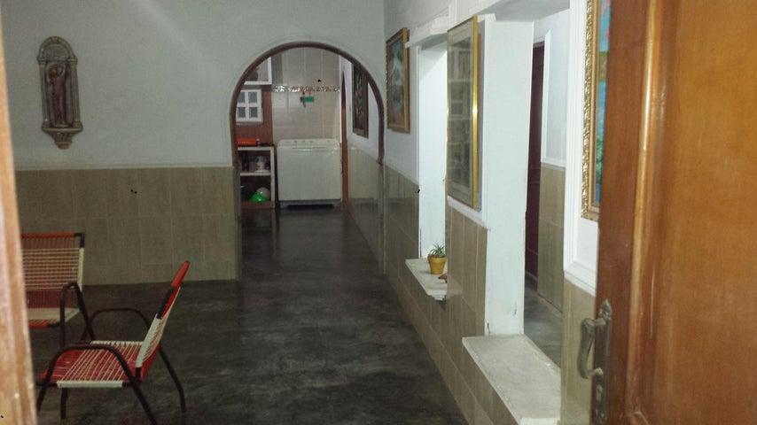 Casa Zulia>Maracaibo>Cuatricentenario - Venta:5.250 Precio Referencial - codigo: 18-12821