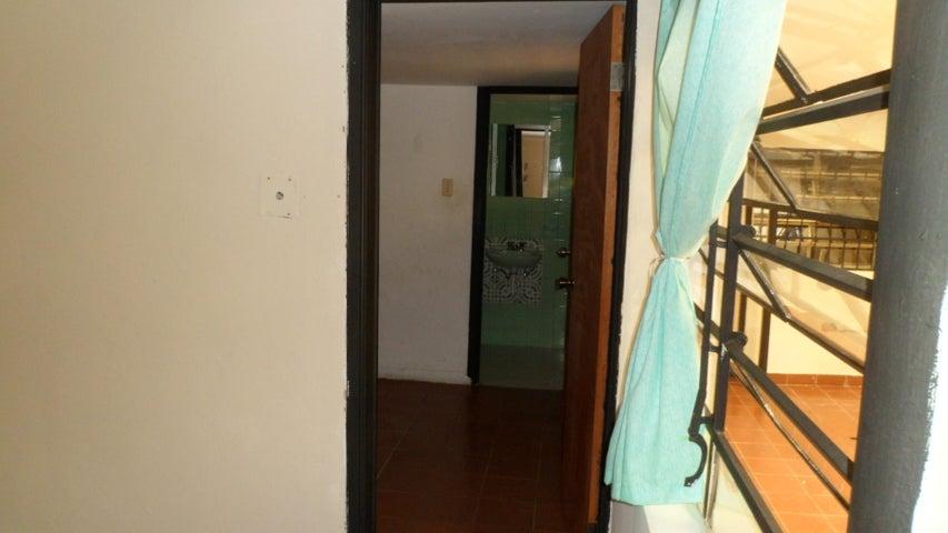 Anexo Distrito Metropolitano>Caracas>Colinas de Bello Monte - Alquiler:170 Precio Referencial - codigo: 18-12818