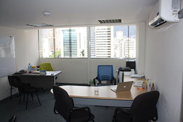 Oficina Distrito Metropolitano>Caracas>Altamira - Alquiler:418.000 Precio Referencial - codigo: 18-12872