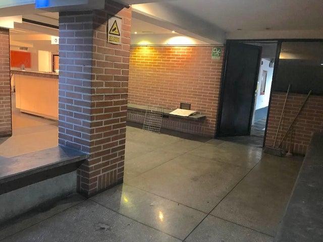 Oficina Distrito Metropolitano>Caracas>El Rosal - Alquiler:850 US Dollar - codigo: 18-12919