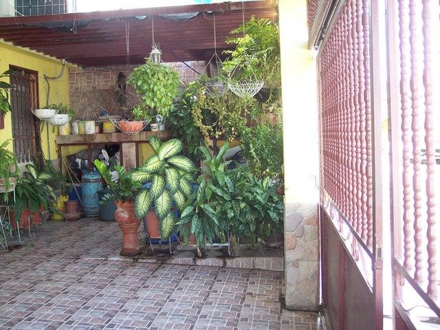 Casa Aragua>Turmero>La Fuente - Venta:14.924.000 Precio Referencial - codigo: 18-13063