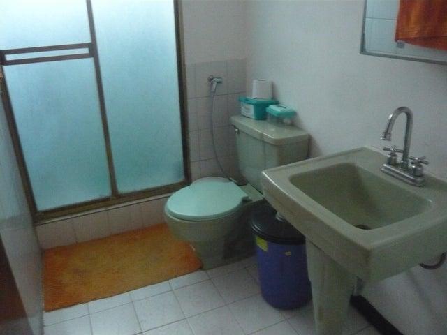 Apartamento Distrito Metropolitano>Caracas>Prado Humboldt - Venta:85.000 Precio Referencial - codigo: 18-13038
