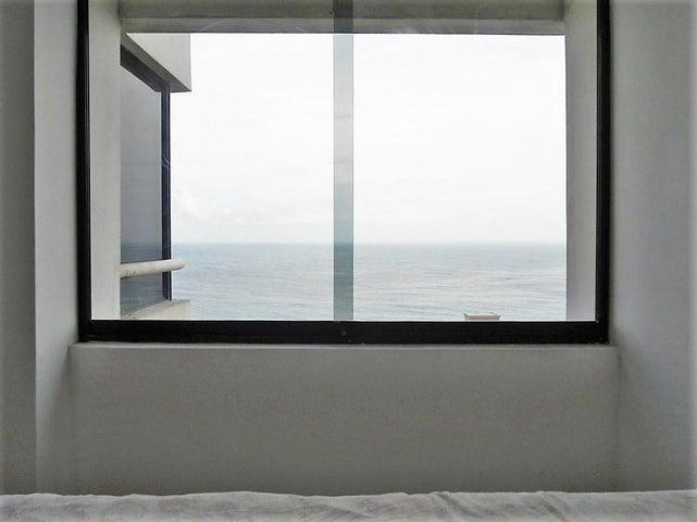 Apartamento Vargas>Parroquia Caraballeda>Camuri Chico - Venta:54.268.000 Precio Referencial - codigo: 18-13041