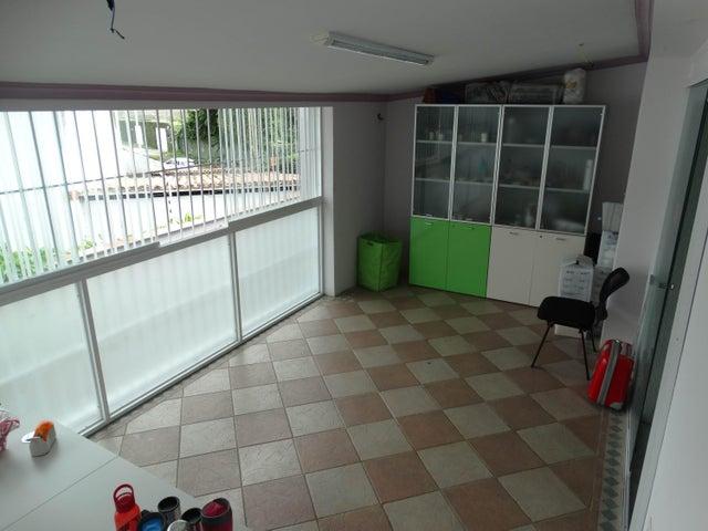 Oficina Distrito Metropolitano>Caracas>Country Club - Alquiler:92.000 Precio Referencial - codigo: 18-13043
