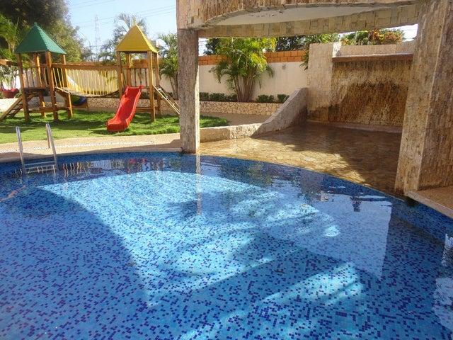 Apartamento Zulia>Maracaibo>Tierra Negra - Alquiler:42.000 Precio Referencial - codigo: 18-13045