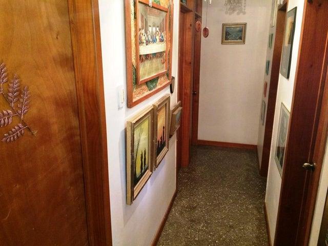 Apartamento Distrito Metropolitano>Caracas>Parroquia Macarao - Venta:11.651.000 Precio Referencial - codigo: 18-13051