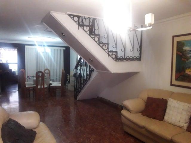 Casa Carabobo>Municipio San Diego>Bosqueserino - Venta:2.353.333.000 Precio Referencial - codigo: 18-13088