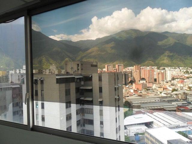 Oficina Distrito Metropolitano>Caracas>Los Cortijos de Lourdes - Alquiler:1.129.000 Precio Referencial - codigo: 18-13084
