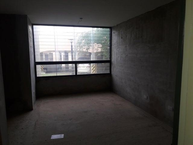 Apartamento Carabobo>Municipio San Diego>Los Jarales - Venta:1.721.000 Precio Referencial - codigo: 18-13102