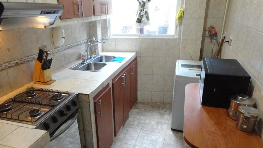 Apartamento Distrito Metropolitano>Caracas>Los Rosales - Venta:25.000 Precio Referencial - codigo: 18-13110