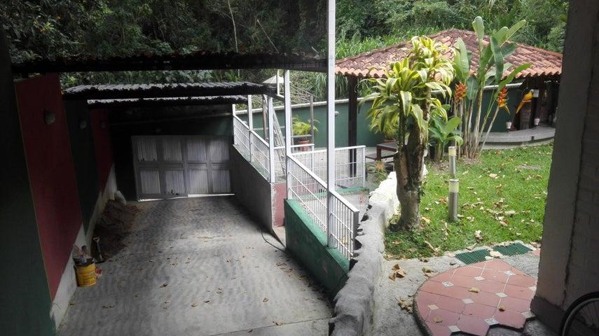 Casa Distrito Metropolitano>Caracas>La Boyera - Venta:160.000 Precio Referencial - codigo: 18-13394