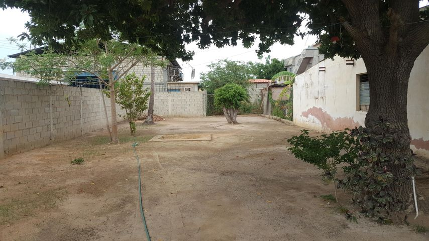 Local Comercial Zulia>Cabimas>Delicias Vieja - Alquiler:400 Precio Referencial - codigo: 18-13113