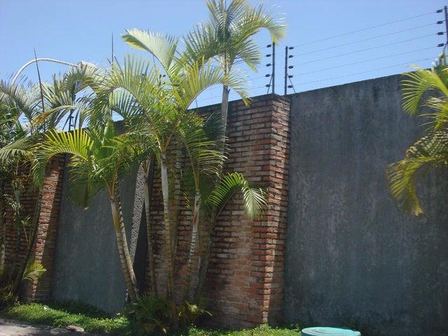 Townhouse Distrito Metropolitano>Caracas>Los Guayabitos - Venta:135.000 Precio Referencial - codigo: 18-13285