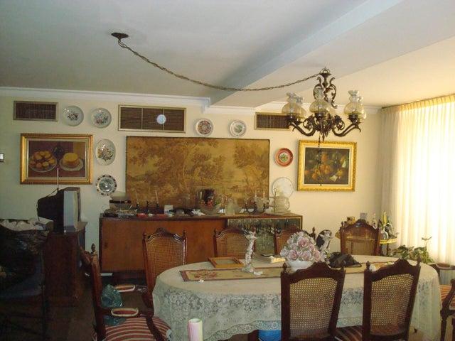Casa Zulia>Maracaibo>Zapara - Venta:476.122.000 Precio Referencial - codigo: 18-13508