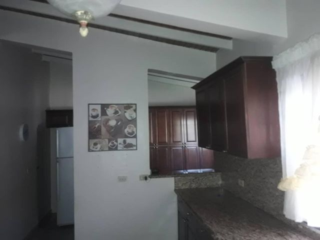 Townhouse Zulia>Maracaibo>Fuerzas Armadas - Venta:39.900 Precio Referencial - codigo: 18-7265