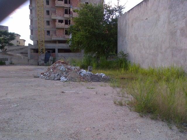 Terreno Aragua>Maracay>El Centro - Venta:220.000 Precio Referencial - codigo: 19-7680