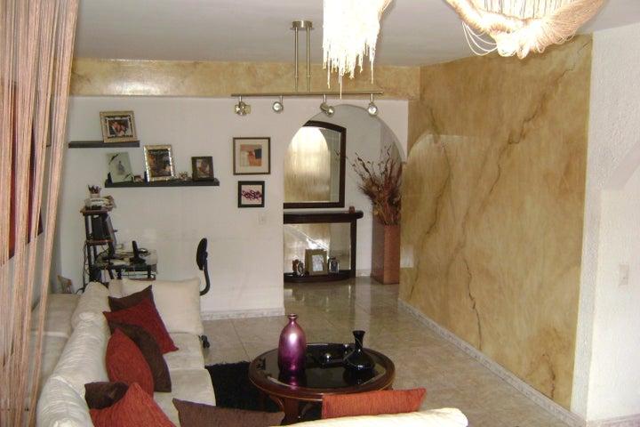 Apartamento Distrito Metropolitano>Caracas>La Urbina - Venta:42.000 Precio Referencial - codigo: 18-13639