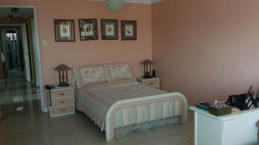 Apartamento Distrito Metropolitano>Caracas>El Recreo - Venta:115.000 Precio Referencial - codigo: 18-13739